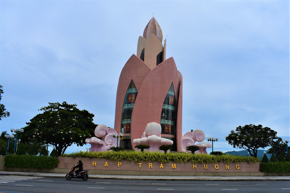 Lại đề xuất cải tạo tháp Trầm Hương ở Nha Trang - Ảnh 1.