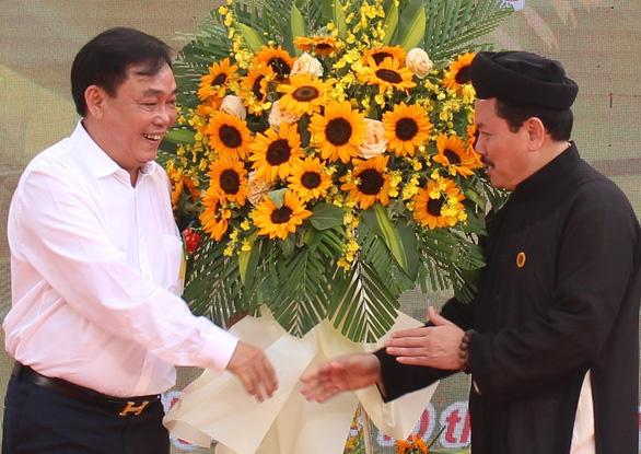 Công an TP.HCM tiếp tục xác minh vụ bà Nguyễn Phương Hằng tố cáo thần y Võ Hoàng Yên - Ảnh 1.