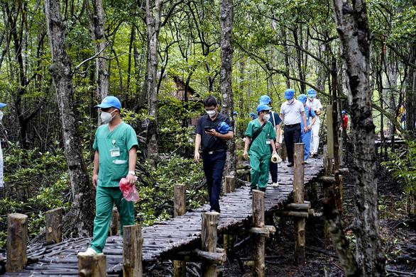 Saigontourist Group tiếp tục tài trợ 8 tour tri ân y bác sĩ tuyến đầu - Ảnh 4.