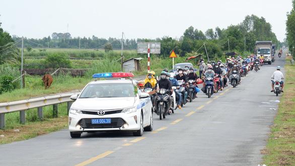 Đồng Tháp, Nghệ An, Hà Tĩnh đón công dân về quê - Ảnh 2.