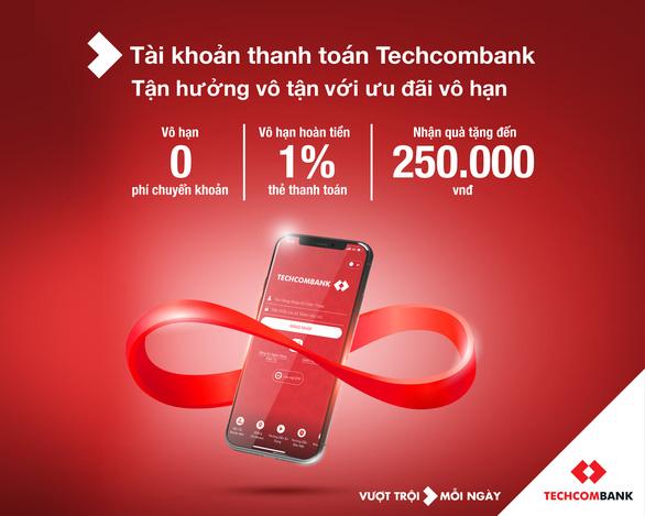 Techcombank dẫn đầu xu hướng thanh toán phi tiền mặt - Ảnh 2.