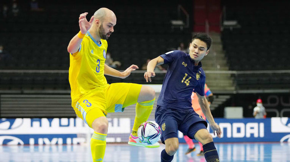 Thái Lan chia tay World Cup futsal 2021 sau trận thua 0-7 - Ảnh 1.