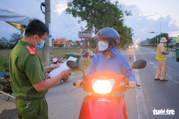 Doanh nghiệp Đà Nẵng kiến nghị tháo gỡ khó khăn khi ra vào thành phố - Ảnh 1.