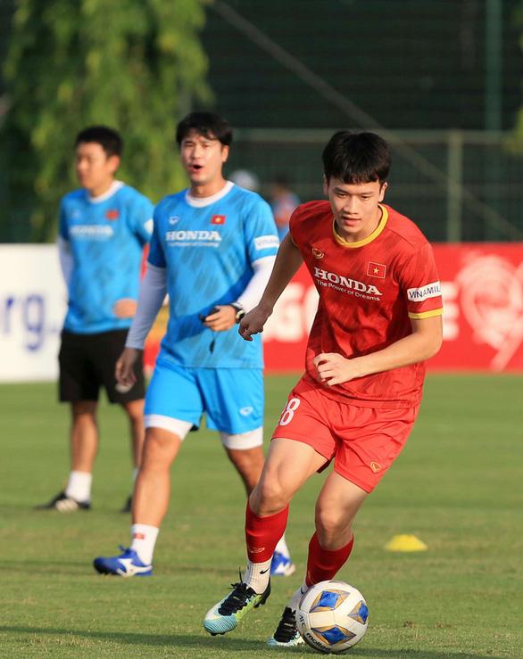 Nhà vô địch Thai League muốn mượn tiền vệ Hoàng Đức một năm - Ảnh 1.