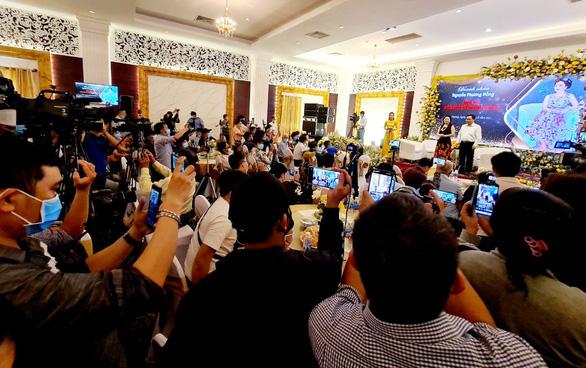 Công an TP.HCM tiếp tục xác minh vụ bà Nguyễn Phương Hằng tố cáo thần y Võ Hoàng Yên - Ảnh 2.