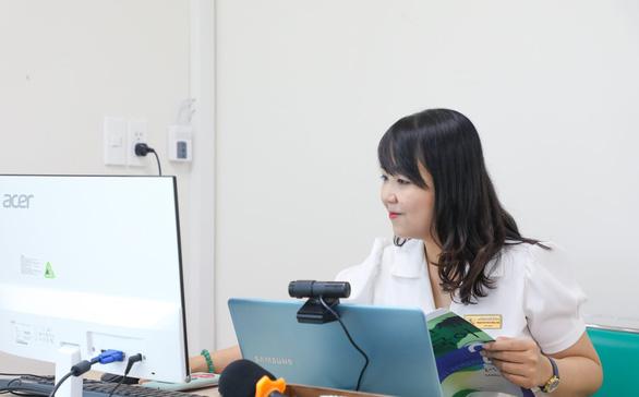 ĐH Kinh tế - tài chính TP.HCM quy định: Bật camera suốt buổi học trực tuyến - Ảnh 1.
