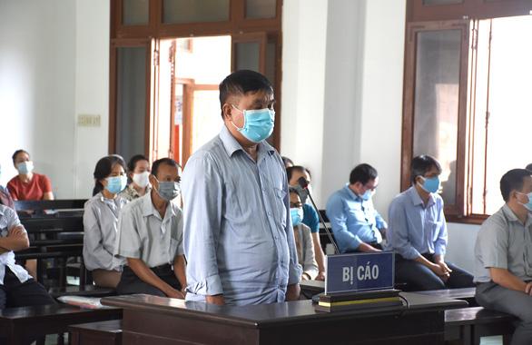 Xét xử 18 bị cáo vụ lộ đề thi công chức tại tỉnh Phú Yên - Ảnh 4.