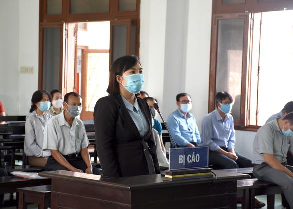 Xét xử 18 bị cáo vụ lộ đề thi công chức tại tỉnh Phú Yên - Ảnh 3.