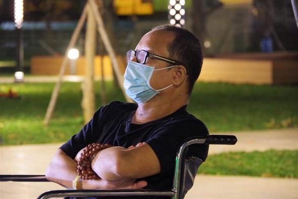 Nghệ sĩ saxophone Trần Mạnh Tuấn rơi nước mắt vì nhớ sân khấu - Ảnh 2.