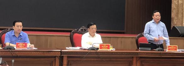 Đề nghị cân nhắc triển khai chuyến bay thương mại và vận tải hành khách đường sắt đến Hà Nội - Ảnh 1.