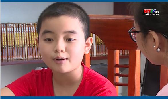 Về cậu bé 10 tuổi đọc Lênin toàn tập: Hứng thú với sách như với đồ chơi, bánh kẹo - Ảnh 1.