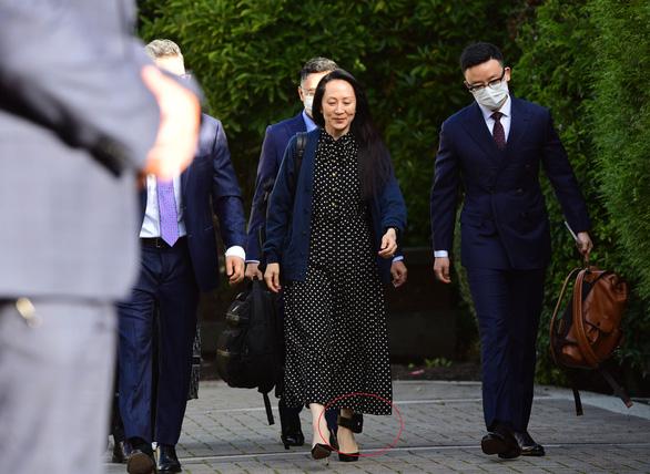 Con gái nhà sáng lập Huawei được phóng thích, bay về Trung Quốc ngay lập tức - Ảnh 2.