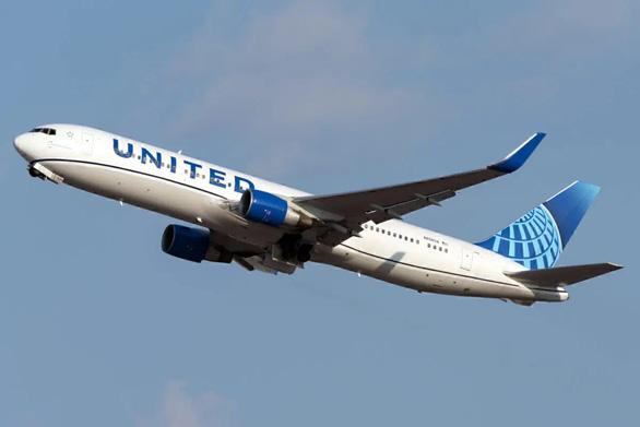 Làm ăn sinh tồn qua mùa dịch - Kỳ 2: Chuyển sang chở hàng, United Airlines sống khỏe mùa dịch - Ảnh 1.