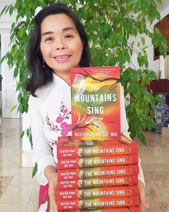 Vượt qua tác giả từng thắng Pulitzer, Booker, nhà văn Việt Nam đoạt giải văn học lớn ở Mỹ - Ảnh 1.