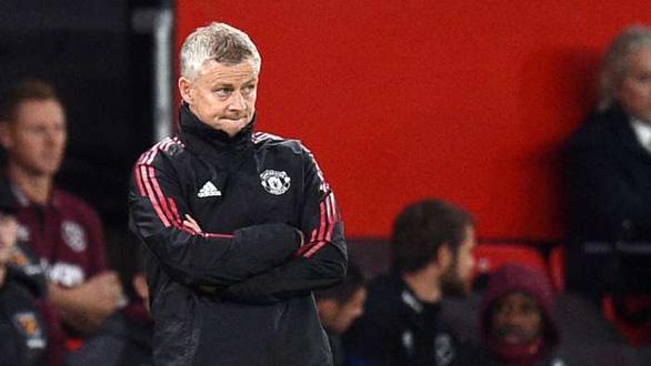 HLV Solskjaer: Man United không được hưởng phạt đền là do HLV Liverpool - Ảnh 1.