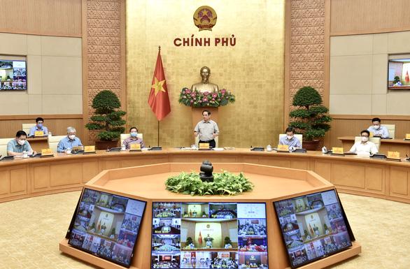 Thủ tướng: Từ nay đến 30-9 sẽ từng bước nới lỏng giãn cách xã hội có kiểm soát - Ảnh 1.