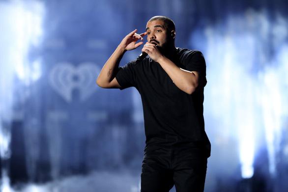 Drake có ngang tầm Michael Jackson? - Ảnh 1.