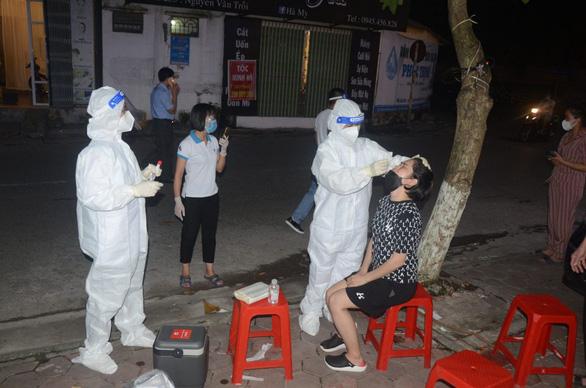 Thêm 51 ca nhiễm, Hà Nam tiếp tục cho học sinh nghỉ học - Ảnh 1.