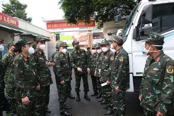 Bộ Quốc phòng điều 3 xe labo xét nghiệm hỗ trợ Tây Ninh chống dịch - Ảnh 1.