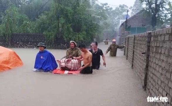 Mưa lũ tại Nghệ An làm 1 người chết, ngập gần 700 nhà dân - Ảnh 1.