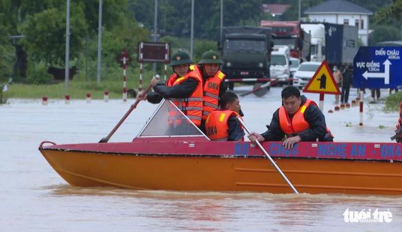 Mưa lũ tại Nghệ An làm 1 người chết, ngập gần 700 nhà dân - Ảnh 2.