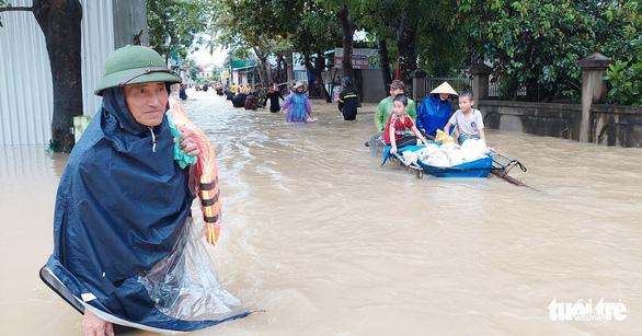Mưa lớn kéo dài thêm 2 ngày, 18 huyện ở Nghệ An, Hà Tĩnh có nguy cơ ngập lụt - Ảnh 1.