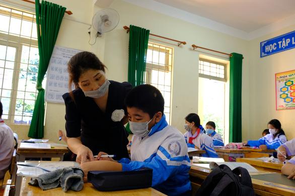 Hàng trăm trường học ở Đắk Nông mở cửa đón học sinh trở lại - Ảnh 2.