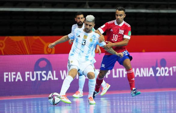 Cùng chật vật vượt qua tứ kết, Brazil chạm trán Argentina tại bán kết World Cup futsal - Ảnh 2.