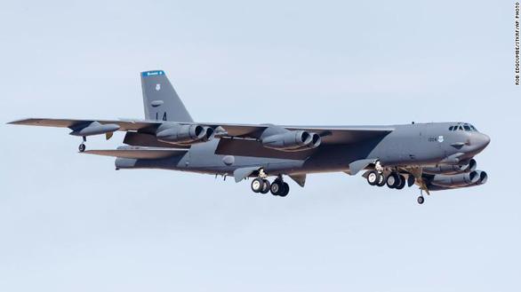 Nga điều tiêm kích chặn máy bay ném bom Mỹ tiếp cận không phận - Ảnh 1.
