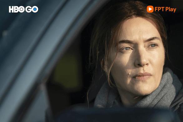 Emmy 2021 và sự thăng hoa của 3 tựa phim tâm lý, tội phạm - Ảnh 2.
