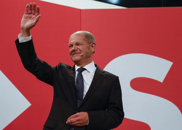 Bầu cử Đức: Đảng bà Merkel thua sít sao nhưng vẫn còn cơ hội nắm quyền - Ảnh 1.