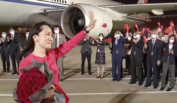 Vợ chồng công chúa Huawei hét lên yêu nhau làm dân Trung Quốc hoan hỉ - Ảnh 3.