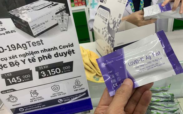 TP.HCM mua hàng trăm ngàn test kit được giảm giá - Ảnh 1.