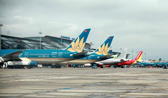 Tiếp tục giảm giá dịch vụ để hỗ trợ các doanh nghiệp hàng không - Ảnh 1.