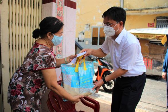 Hà Nội chi viện 75 tỉ đồng giúp TP.HCM chống dịch - Ảnh 1.