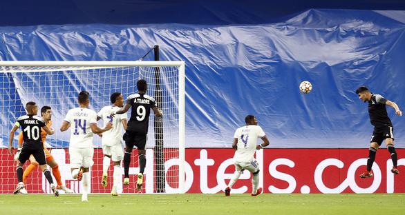 Địa chấn tại Bernabeu: 'Đội bóng tí hon' Sheriff quật ngã Real Madrid - Ảnh 3.