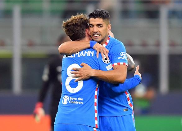 Suarez và Griezmann giúp Atletico Madrid thắng ngược AC Milan - Ảnh 2.