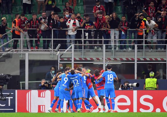 Suarez và Griezmann giúp Atletico Madrid thắng ngược AC Milan - Ảnh 1.