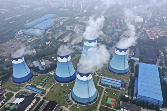 Vì sao Trung Quốc rơi vào cuộc khủng hoảng điện khiến các nhà máy đóng cửa? - Ảnh 2.