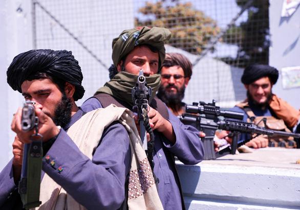 Taliban nói phụ nữ không được làm bộ trưởng - Ảnh 1.
