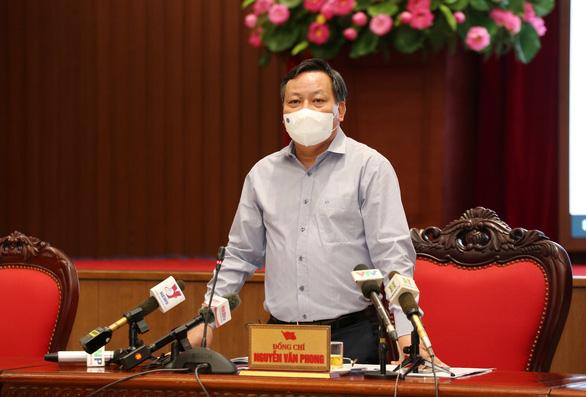 Phó bí thư Hà Nội: Dịch bệnh còn phức tạp nên phải tiếp tục giãn cách - Ảnh 1.
