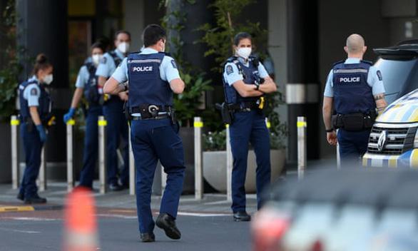 Tấn công khủng bố tại siêu thị New Zealand, nghi phạm ủng hộ IS - Ảnh 1.