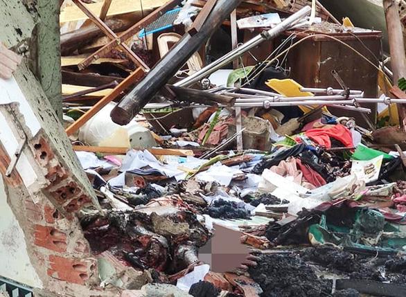 Nổ lớn sập nhà chôn vùi cả hai vợ chồng lúc rạng sáng 3-9 - Ảnh 1.