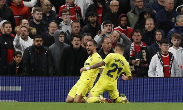 Ronaldo ghi bàn phút 90+5, Man Utd lội  ngược dòng nghẹt thở Villarreal - Ảnh 2.