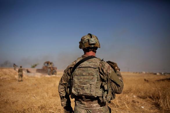 Quân đội Mỹ lo ngại binh sĩ tự sát ngày càng nhiều - Ảnh 1.