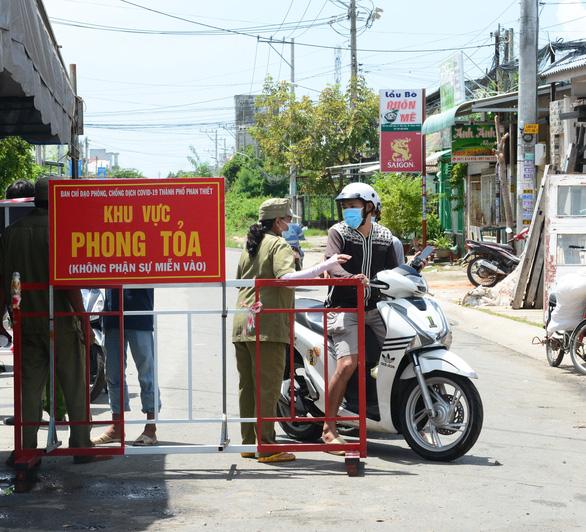 Bình Thuận có ca mắc trong ngày cao nhất, chủ tịch tỉnh phê bình chủ tịch TP Phan Thiết - Ảnh 1.