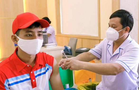 Lãnh đạo, doanh nghiệp và người dân Bà Rịa - Vũng Tàu đồng thanh xin cấp vắc xin sớm - Ảnh 1.