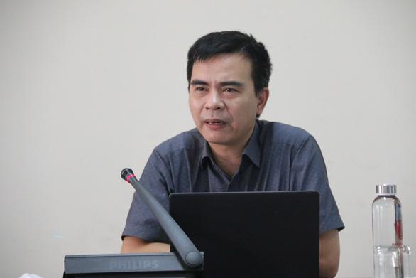 Đôi bạn mồ côi ở Hà Tĩnh được ĐH Huế tặng học phí, tiền và máy tính - Ảnh 2.