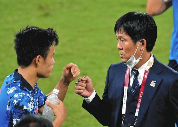 Nếu thua Trung Quốc, HLV tuyển Nhật Moriyasu Hajime sẽ bị sa thải? - Ảnh 1.