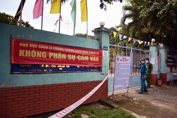 Biên Hòa truy gấp 3 người dương tính trốn khỏi khu cách ly tập trung - Ảnh 1.